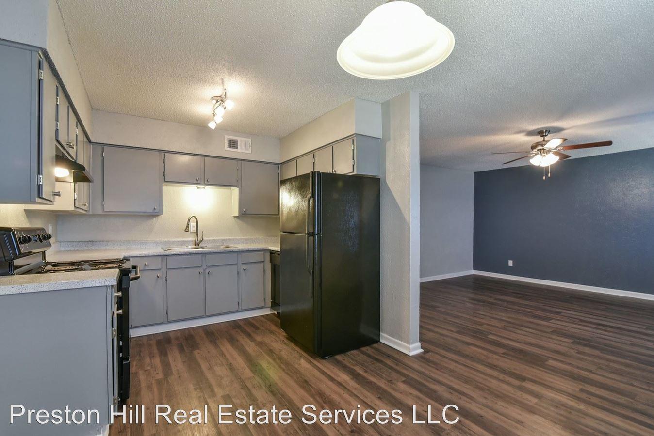 2 Bedrooms 1 Bathroom Apartment for rent at 1215 N. Cooper in Arlington, TX