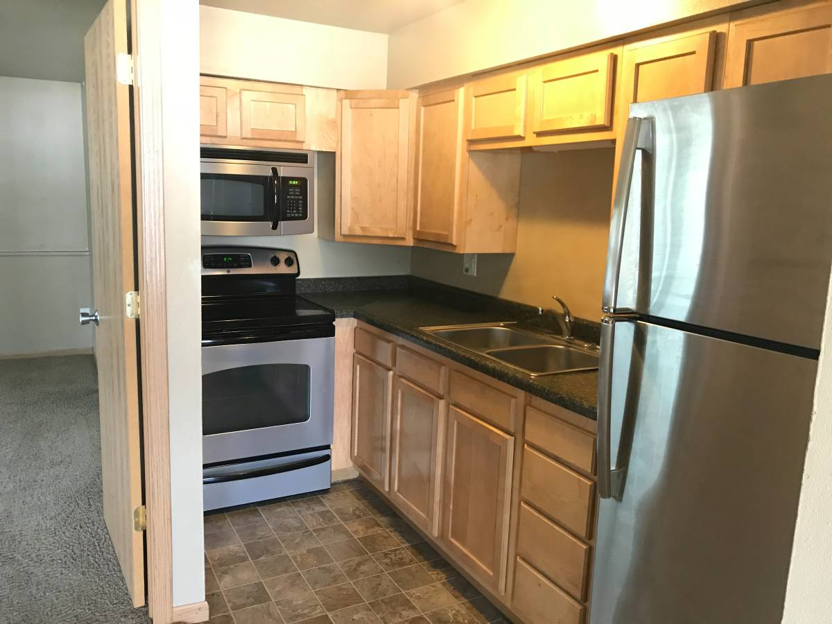 1 Bedroom 1 Bathroom Apartment for rent at 331 S Lucas Street in Iowa City, IA
