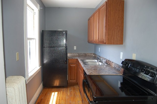 1 Bedroom 1 Bathroom Apartment for rent at 906 East Burlington Street in Iowa City, IA