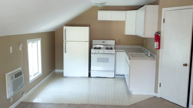 Studio 1 Bathroom Apartment for rent at 837 - 837.5 Maggard Street in Iowa City, IA