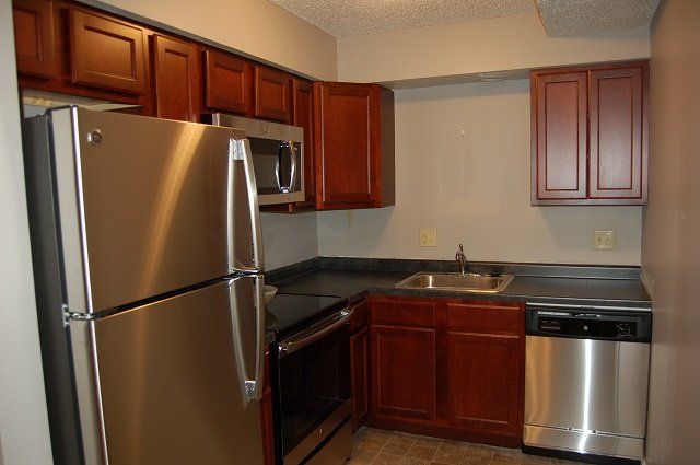 2 Bedrooms 1 Bathroom Apartment for rent at 902 & 906 N. Dodge in Iowa City, IA