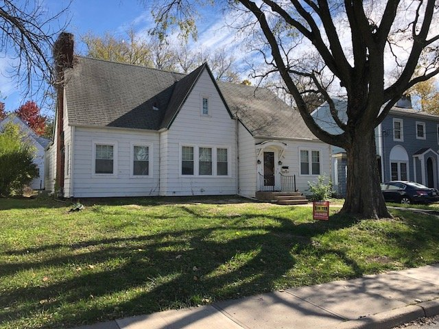 5 Bedrooms 3 Bathrooms House for rent at 410 Melrose Court in Iowa City, IA