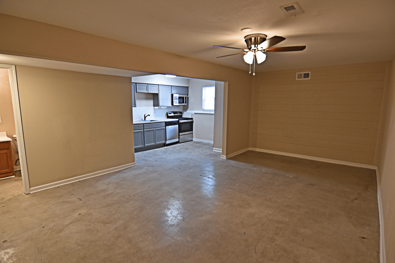 1 Bedroom 1 Bathroom Apartment for rent at Hemingway Heights in Kansas City, MO
