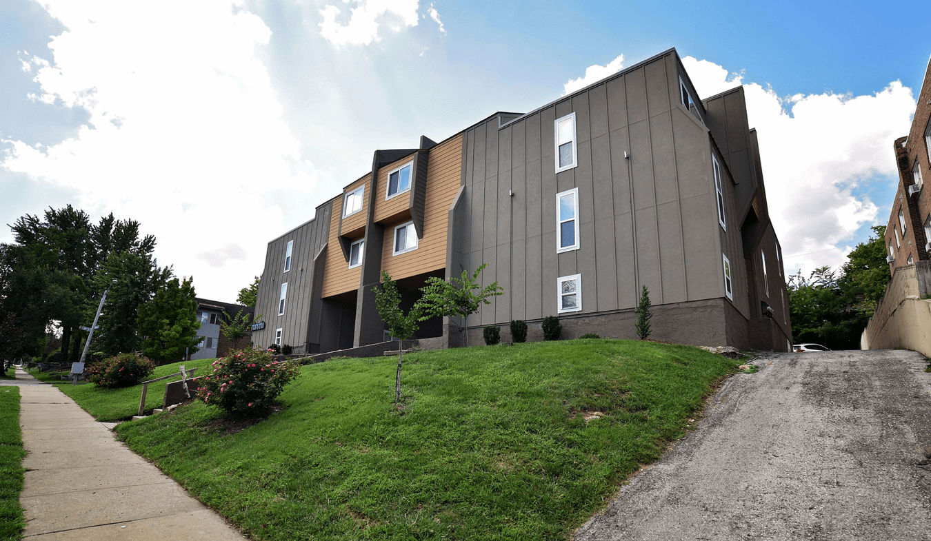 2 Bedrooms 1 Bathroom Apartment for rent at The Arabell in Kansas City, MO