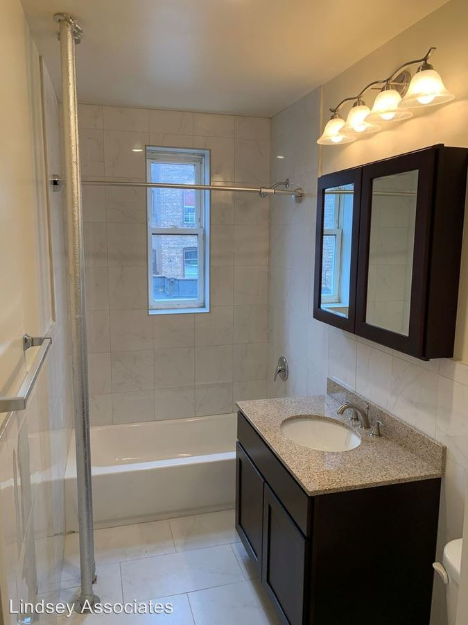 1 Bedroom 1 Bathroom Apartment for rent at 106 Glenwood Avenue in Jersey City, NJ