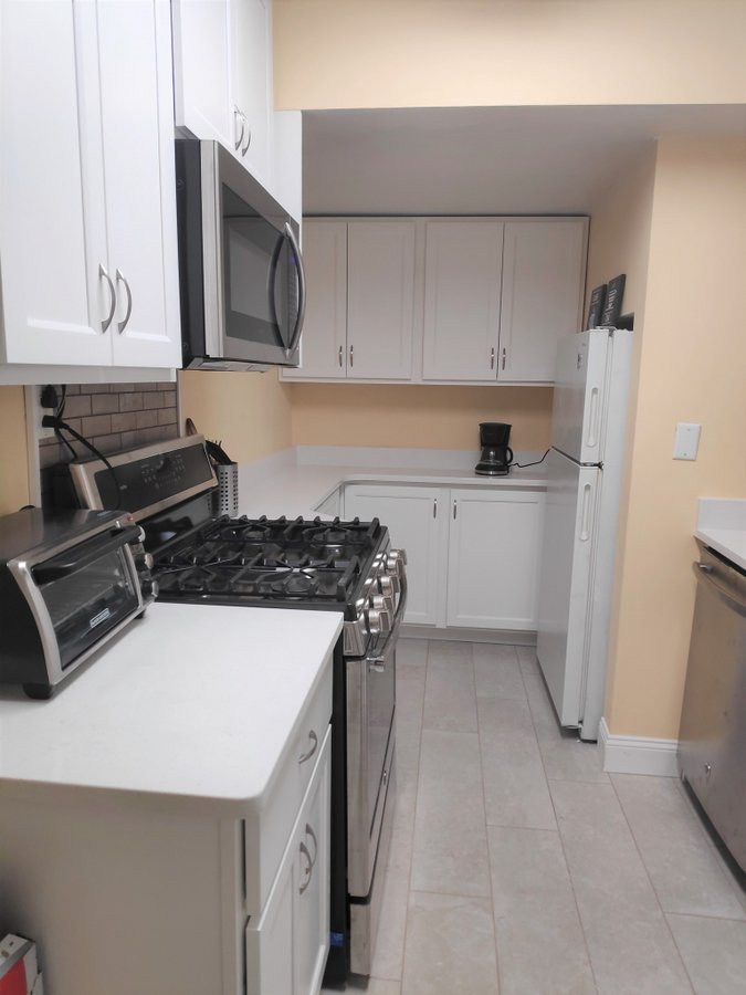 1 Bedroom 1 Bathroom Apartment for rent at 6 West Mount Vernon Place in Baltimore, MD