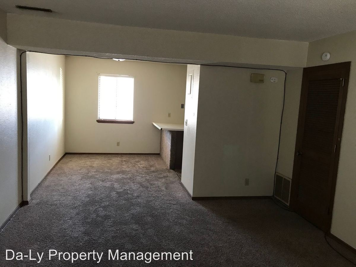 2 Bedrooms 1 Bathroom Apartment for rent at 309 W. Hedde in Grand Island, NE