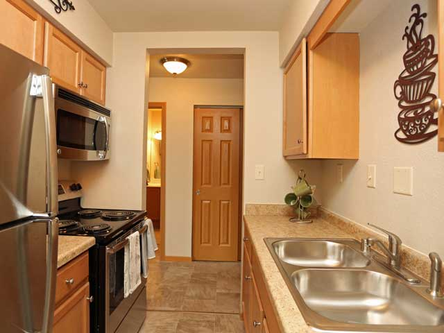 Apartments Near Beloit 920 On The Park for Beloit College Students in Beloit, WI