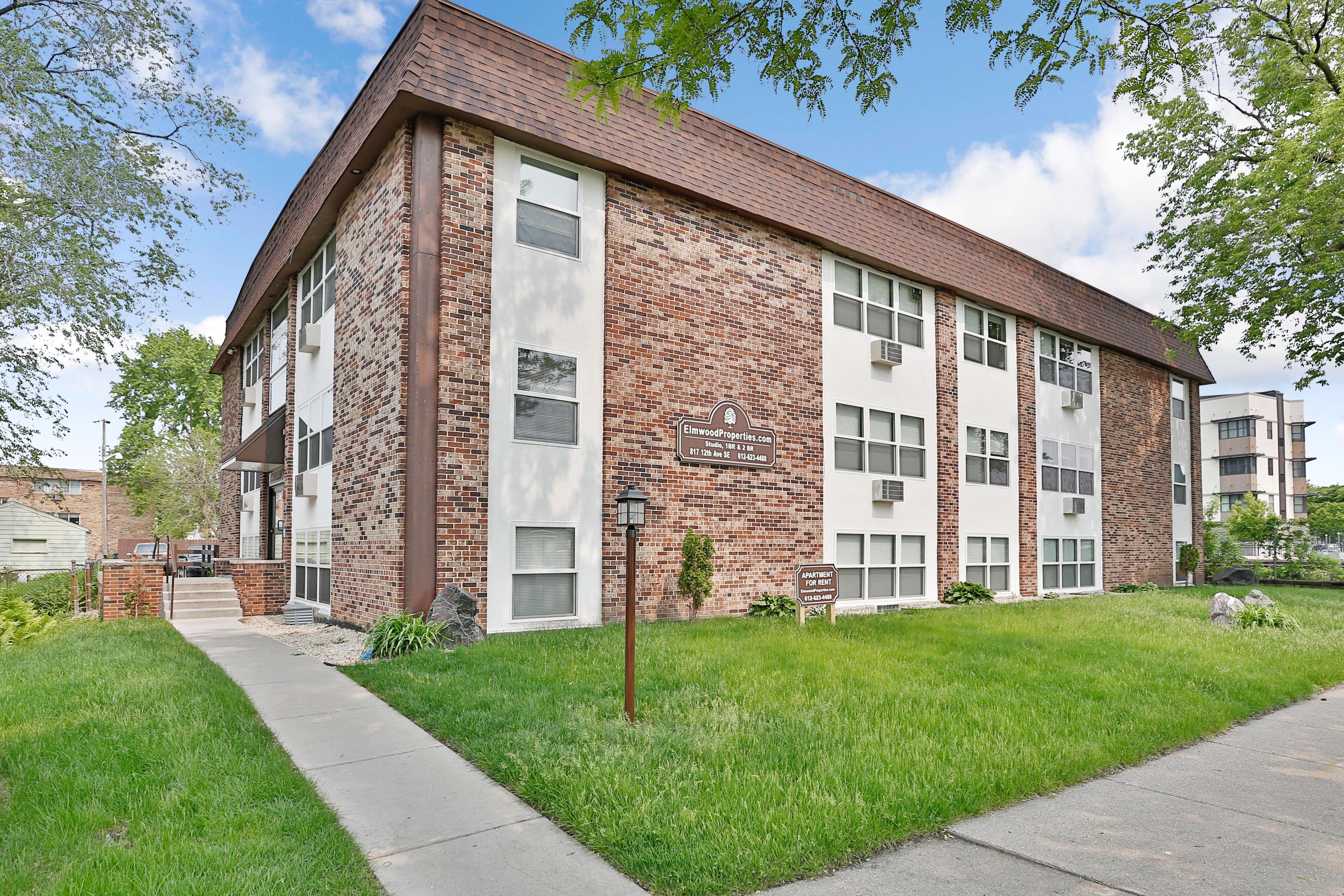Apartments Near University of Minnesota 817 12th Ave Se for University of Minnesota Students in Minneapolis, MN