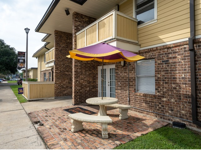 Apartments Near LSU Stadium Square for Louisiana State University Students in Baton Rouge, LA