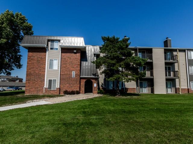 Apartments Near South Dakota Penbrooke Place for South Dakota Students in , SD