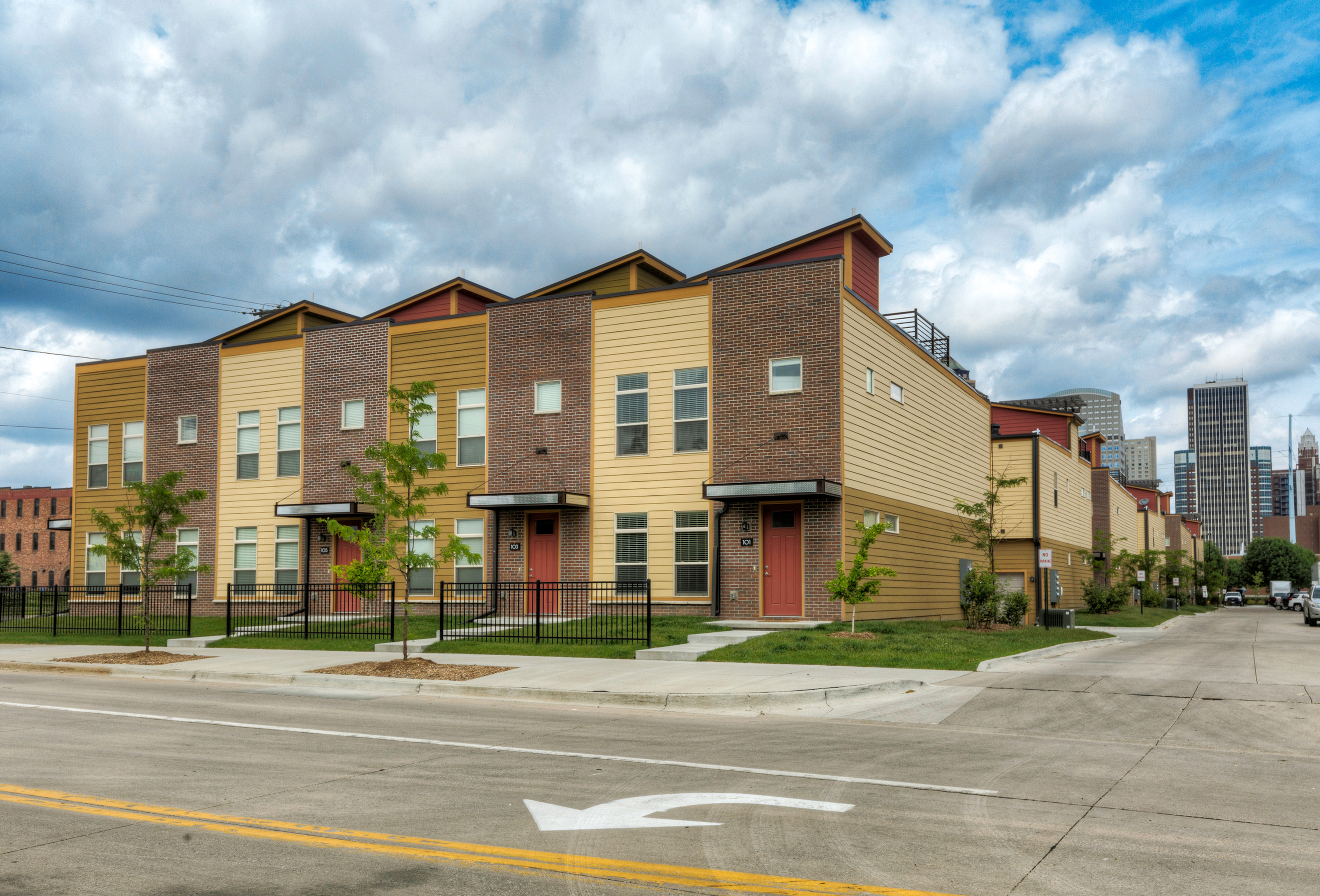 Apartments Near DMACC 7th Street Brownstones for Des Moines Area Community College Students in Des Moines, IA