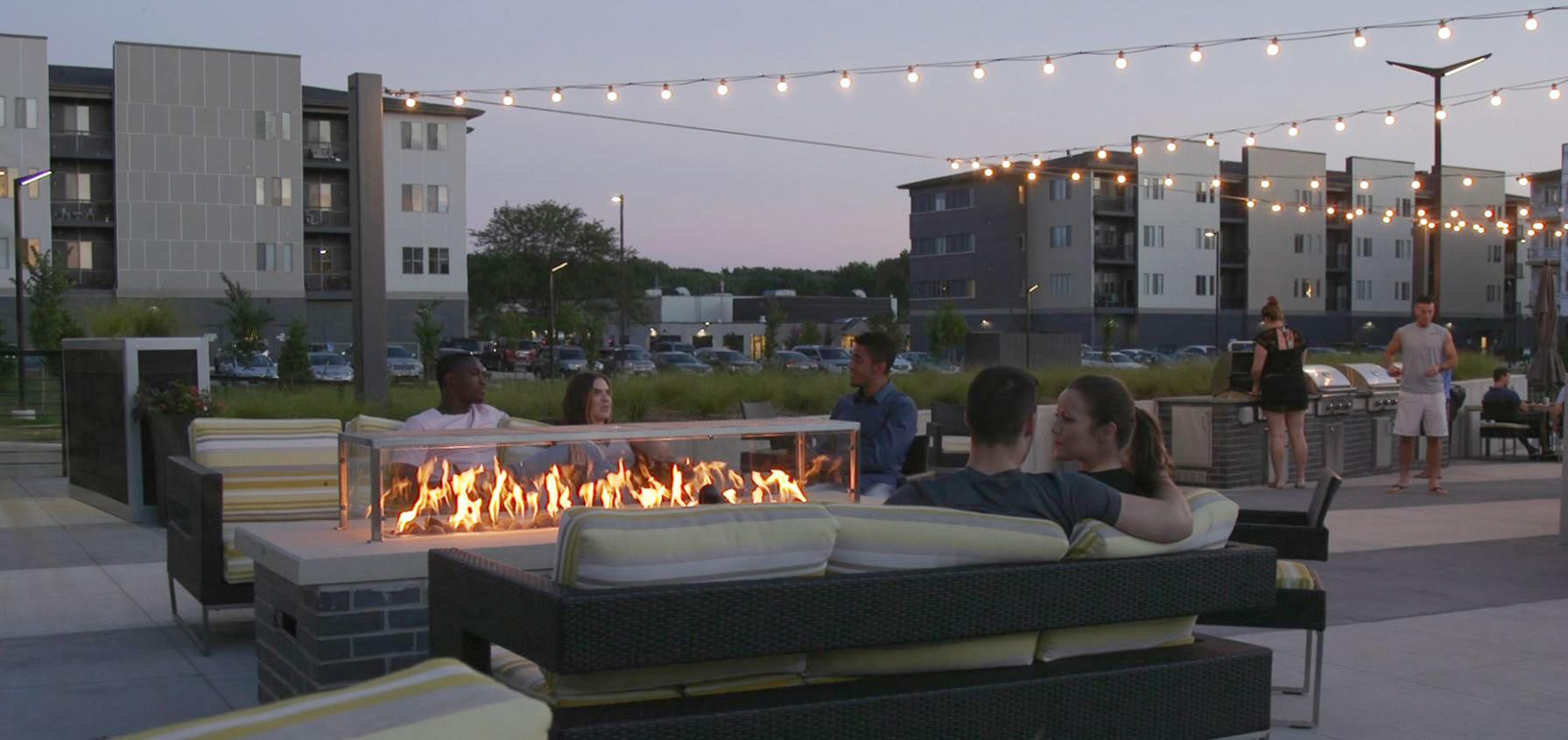 Apartments Near University of Phoenix-Iowa Cityville On 9th for University of Phoenix-Iowa Students in Des Moines, IA