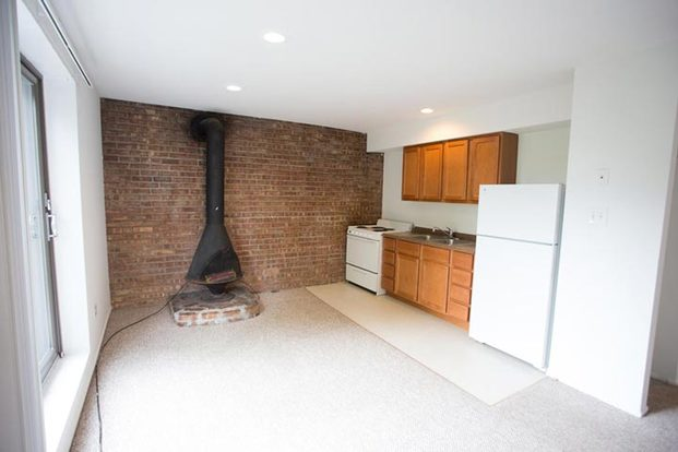 Studio 1 Bathroom Apartment for rent at Cornell Terrace in Chicago, IL