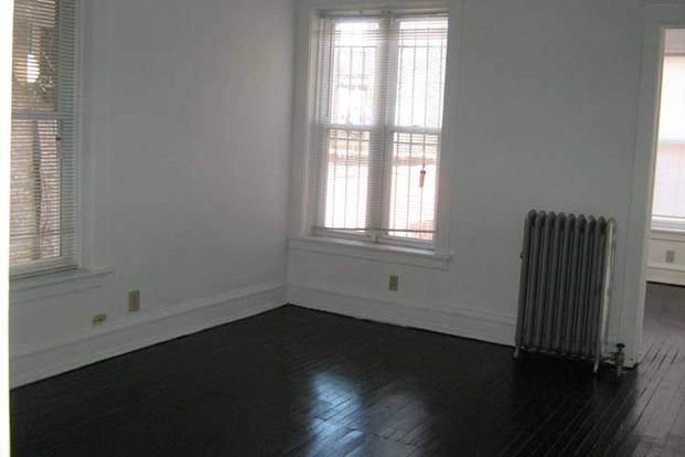1 Bedroom 1 Bathroom Apartment for rent at 918 E. Hyde Park Boulevard in Chicago, IL