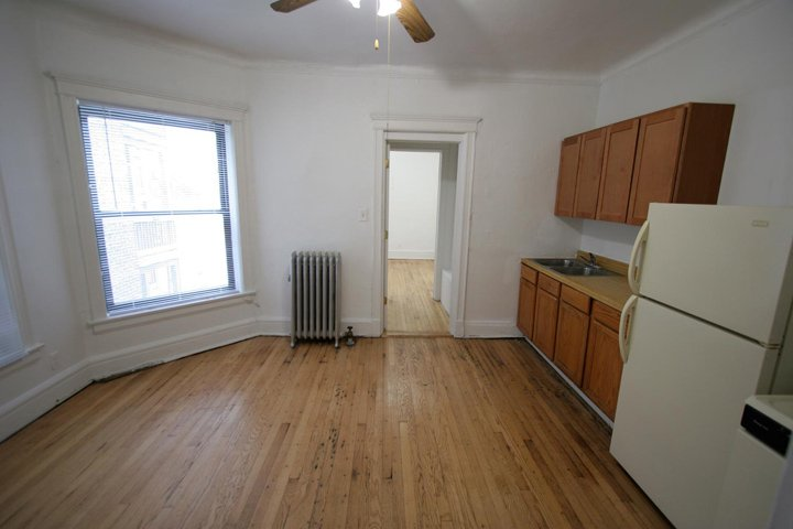 2 Bedrooms 1 Bathroom Apartment for rent at 1515 E. 54th Street in Chicago, IL