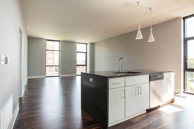 2 Bedrooms 2 Bathrooms Apartment for rent at International in Kansas City, MO