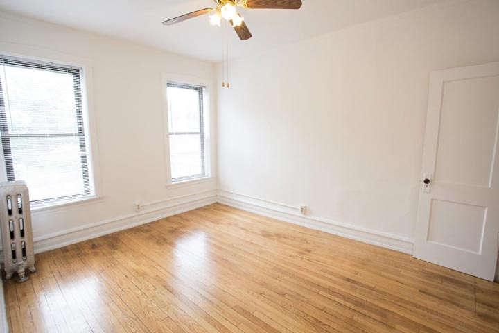 2 Bedrooms 1 Bathroom Apartment for rent at 5300-5308 S. Greenwood Avenue in Chicago, IL