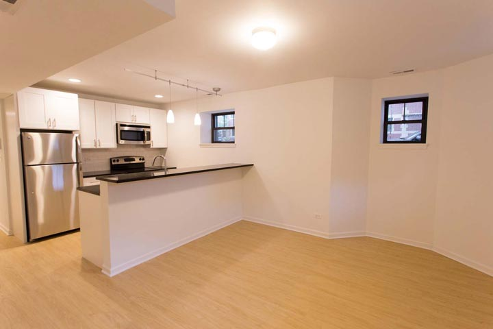 2 Bedrooms 2 Bathrooms Apartment for rent at 5557-59 S. University Avenue in Chicago, IL