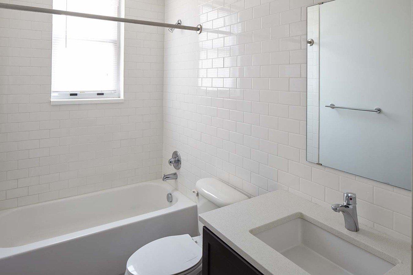 Studio 1 Bathroom Apartment for rent at Bellerive in Kansas City, MO