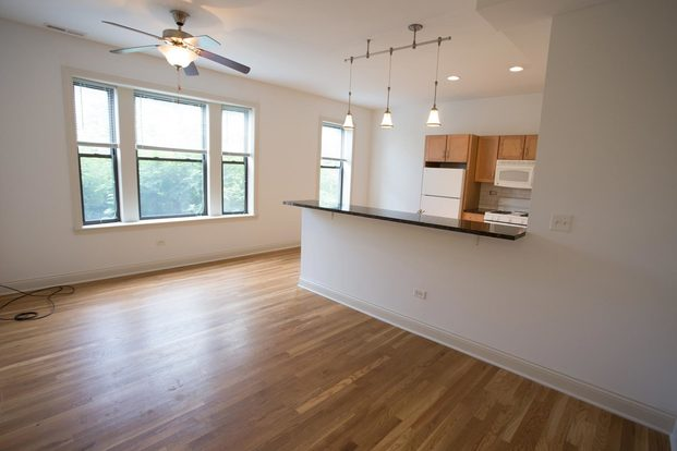 3 Bedrooms 1 Bathroom Apartment for rent at 5301-5307 S. Maryland Avenue in Chicago, IL