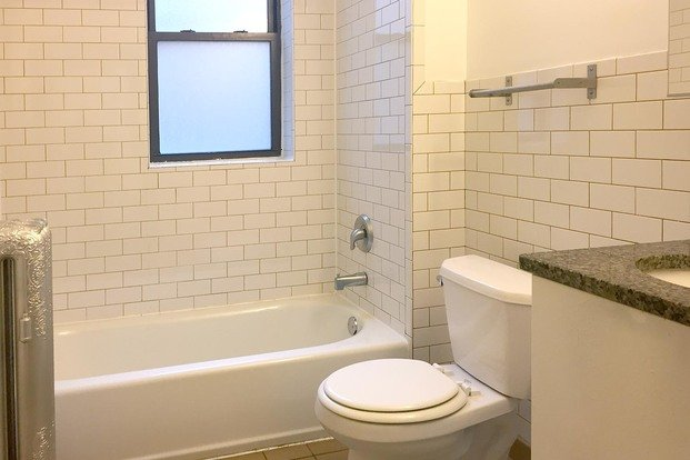 2 Bedrooms 1 Bathroom Apartment for rent at 5350-5358 S. Maryland Avenue in Chicago, IL