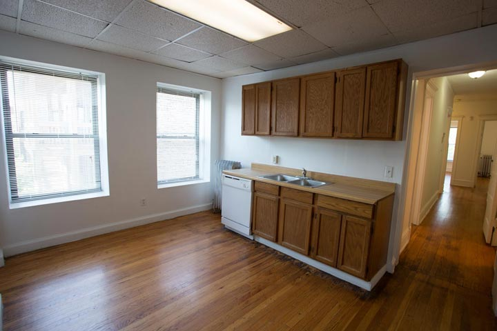 4 Bedrooms 2 Bathrooms Apartment for rent at 1515 E. 54th Street in Chicago, IL