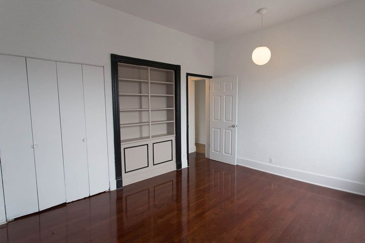 5 Bedrooms 1 Bathroom Apartment for rent at The Pepperland in Chicago, IL