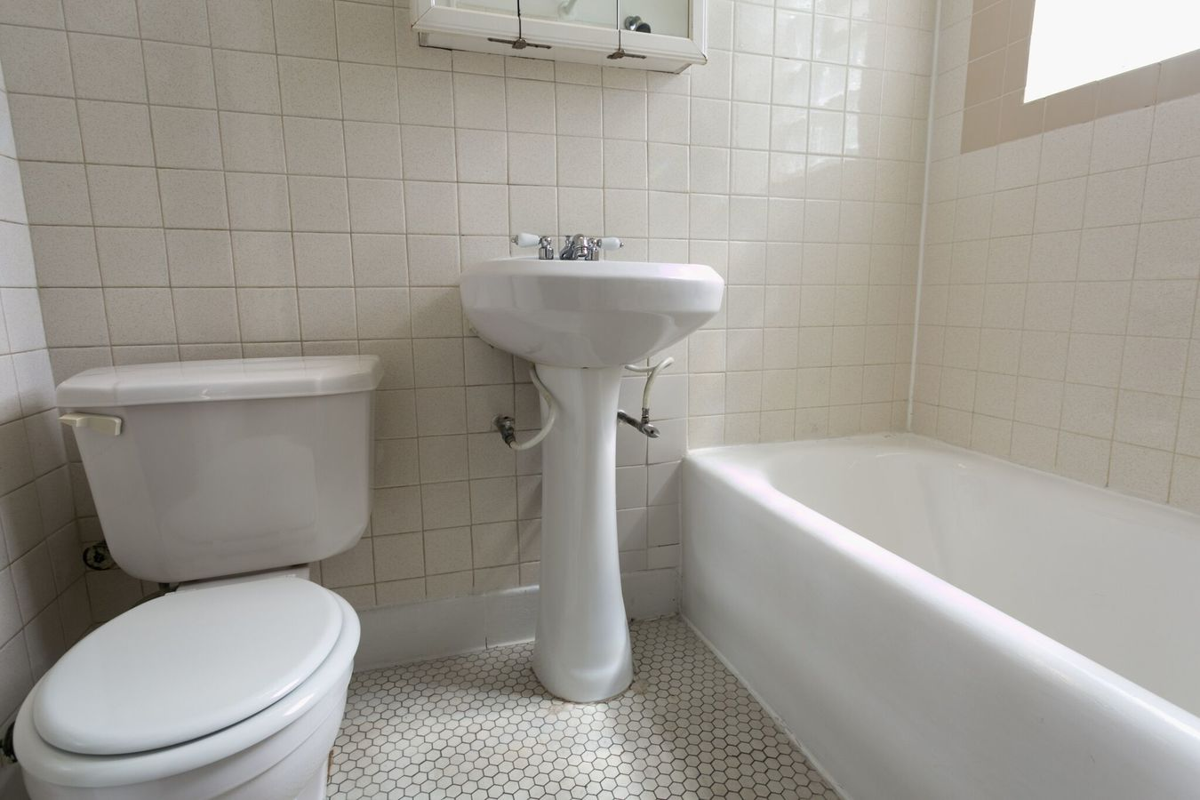 1 Bedroom 1 Bathroom Apartment for rent at 5415 S. Woodlawn Avenue in Chicago, IL