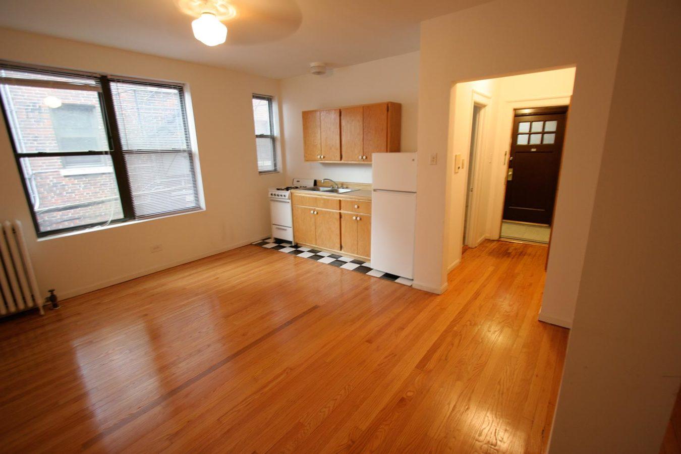 Studio 1 Bathroom Apartment for rent at 5500 S. Cornell Avenue in Chicago, IL