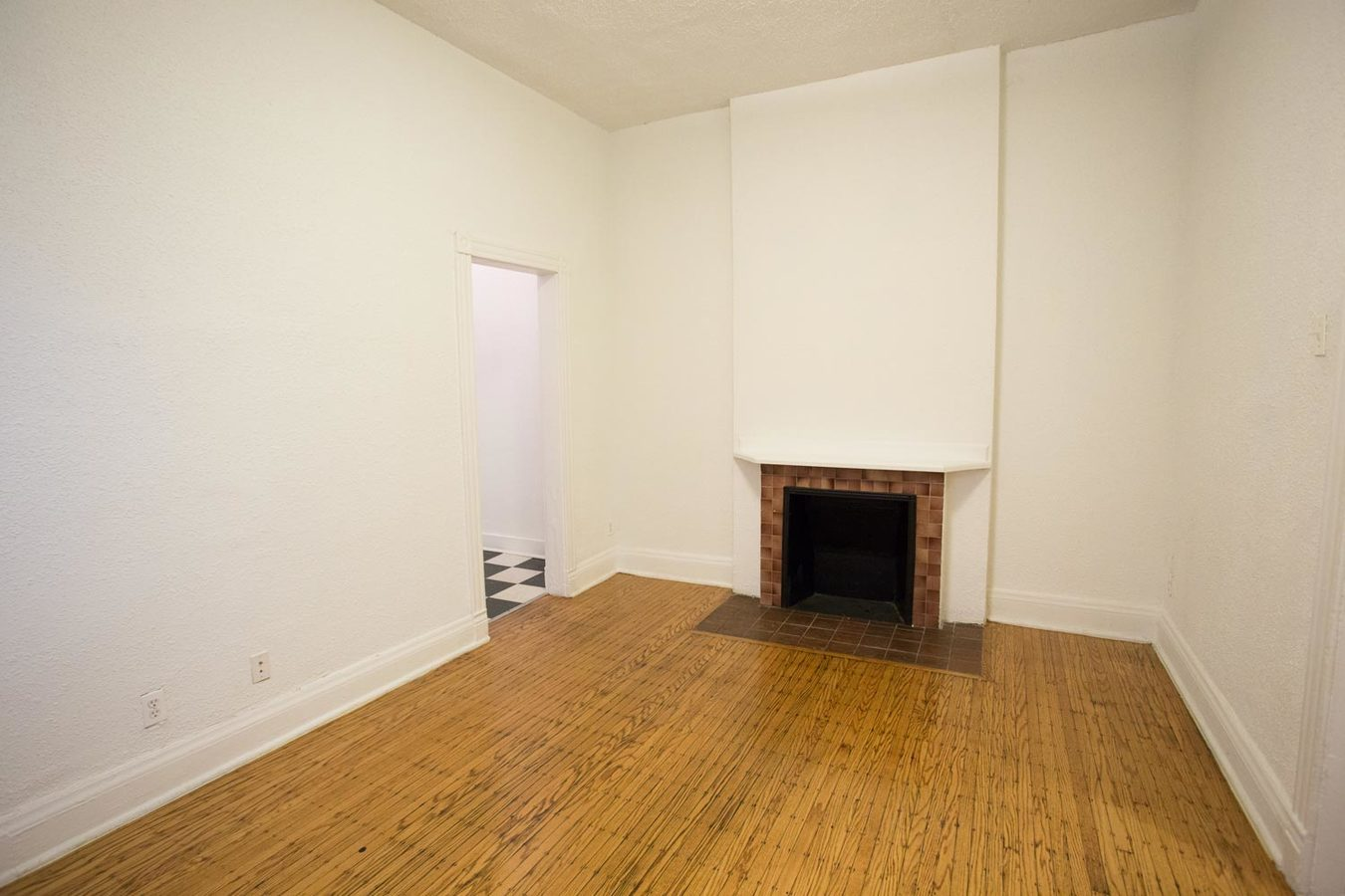 3 Bedrooms 1 Bathroom Apartment for rent at The Pepperland in Chicago, IL