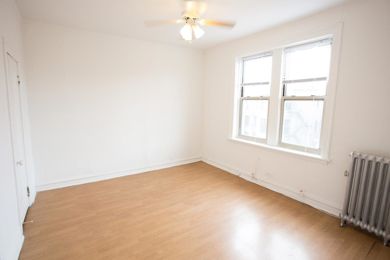 2 Bedrooms 1 Bathroom Apartment for rent at 5034-5046 S. Woodlawn Avenue in Chicago, IL