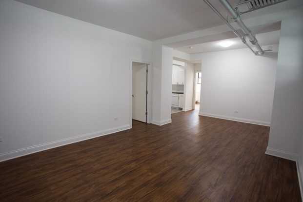 2 Bedrooms 1 Bathroom Apartment for rent at 5202-5210 S. Cornell Avenue in Chicago, IL