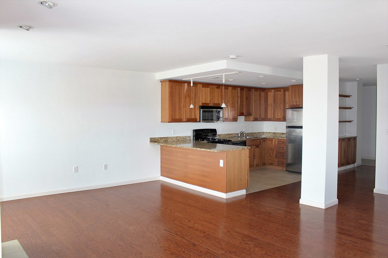 2 Bedrooms 2 Bathrooms Apartment for rent at Parc Frontenac in St Louis, MO