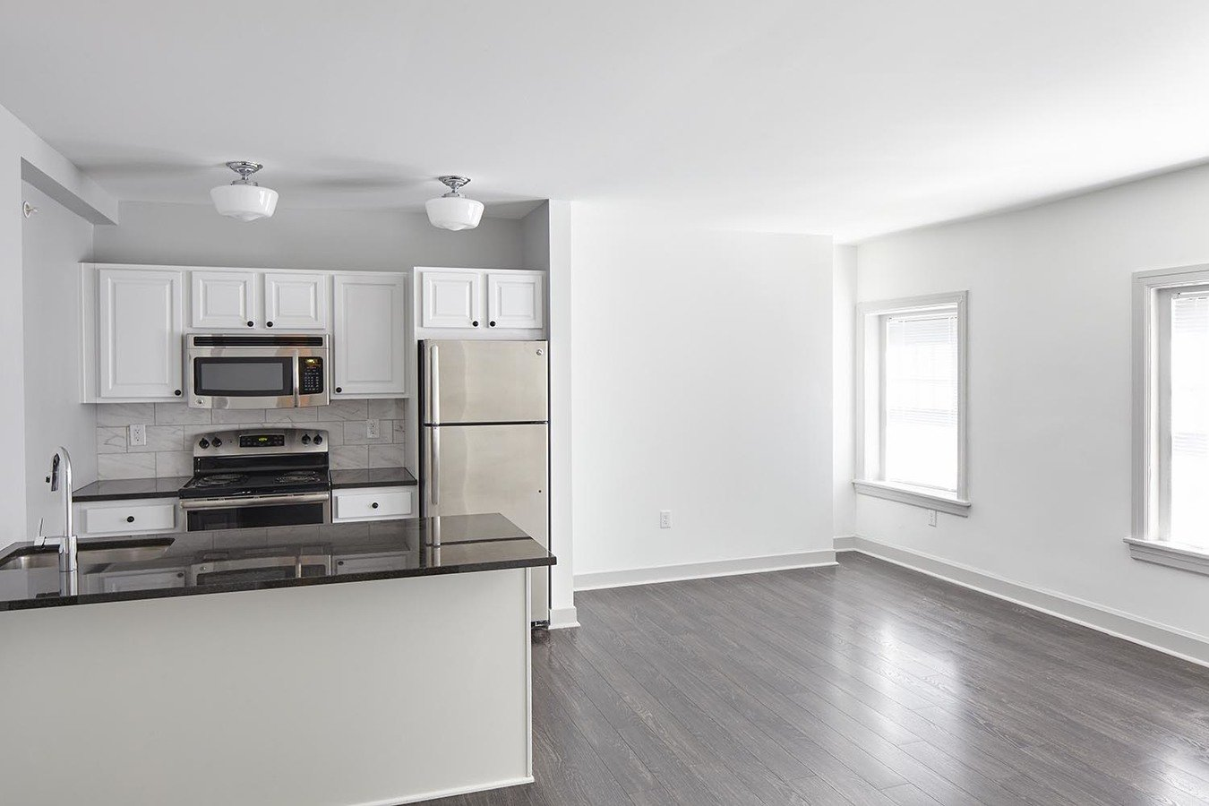 Studio 1 Bathroom Apartment for rent at The Newbern in Kansas City, MO