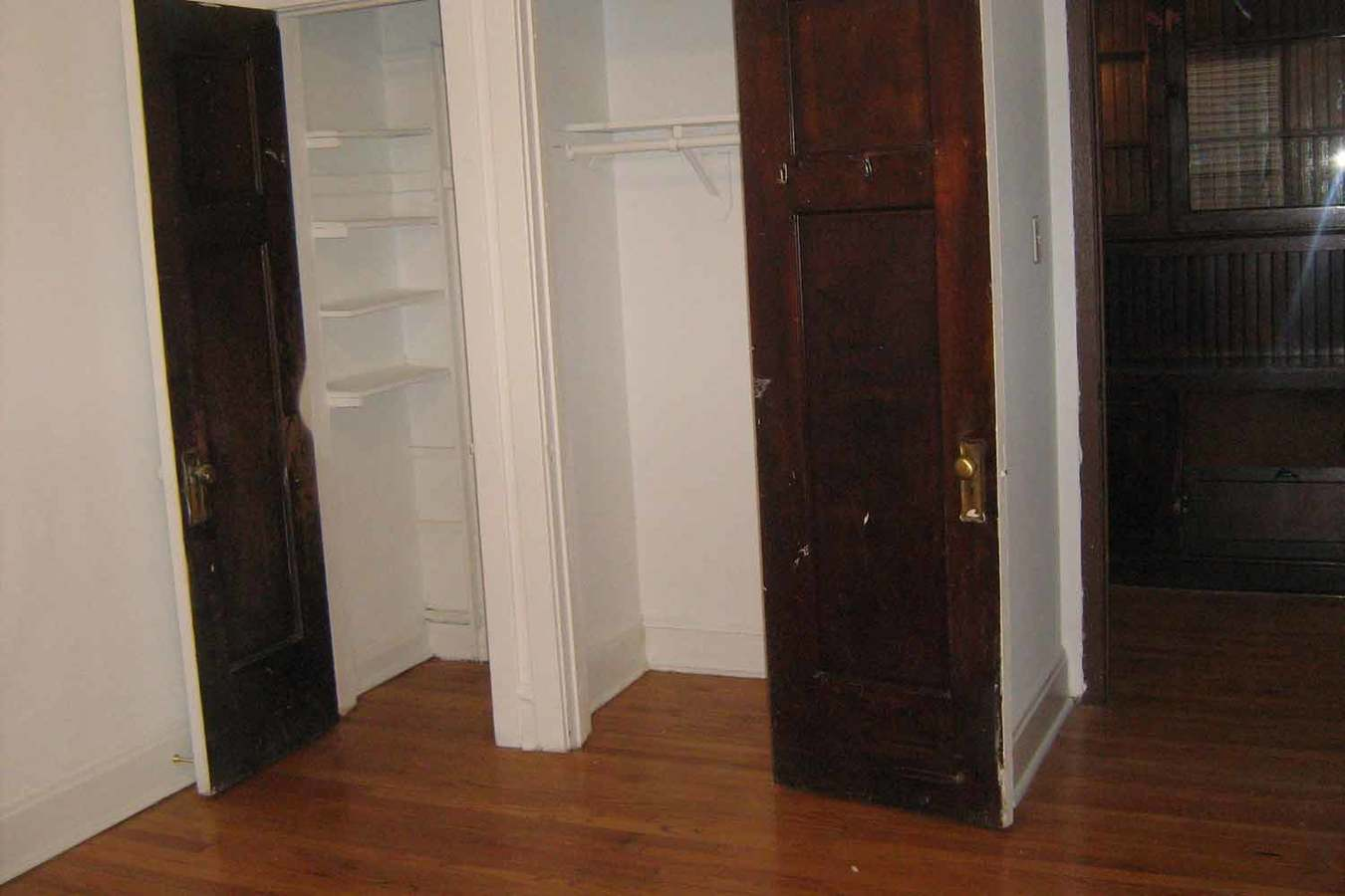 5 Bedrooms 2 Bathrooms Apartment for rent at 5218-5220 S. Kimbark Avenue in Chicago, IL