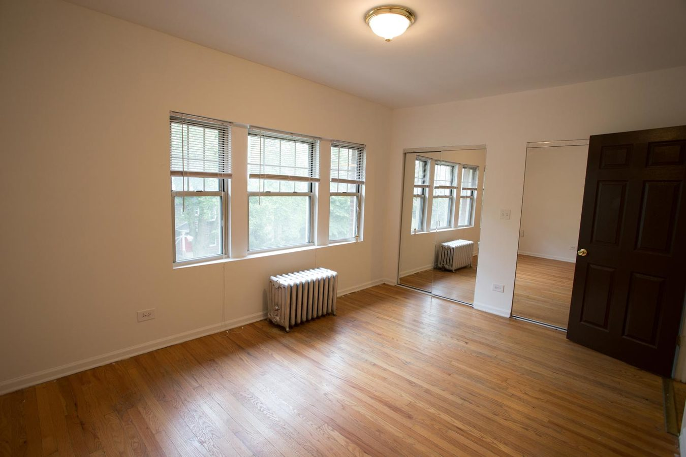 1 Bedroom 1 Bathroom Apartment for rent at 5528 S. Cornell Avenue in Chicago, IL