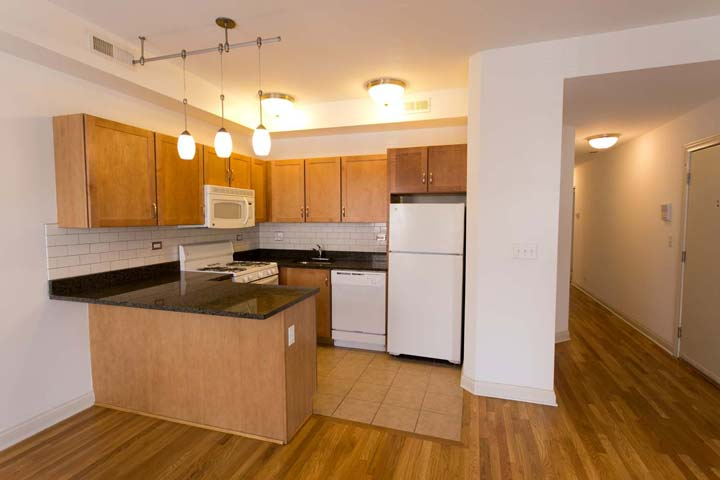 2 Bedrooms 1 Bathroom Apartment for rent at 5400-5408 S. Ingleside Avenue in Chicago, IL