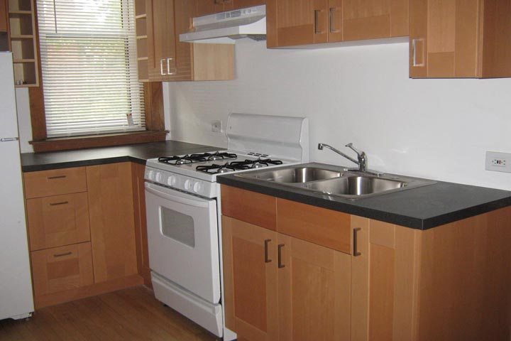 4 Bedrooms 2 Bathrooms Apartment for rent at 5700 S. Blackstone Avenue in Chicago, IL
