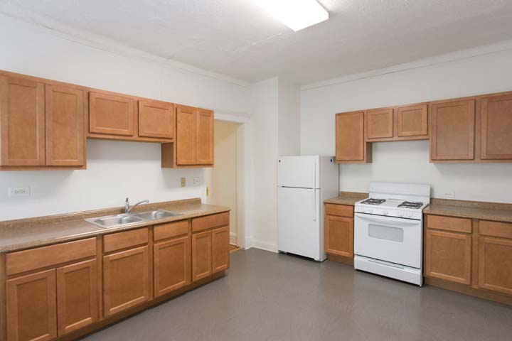 6 Bedrooms 3 Bathrooms Apartment for rent at 1515 E. 54th Street in Chicago, IL