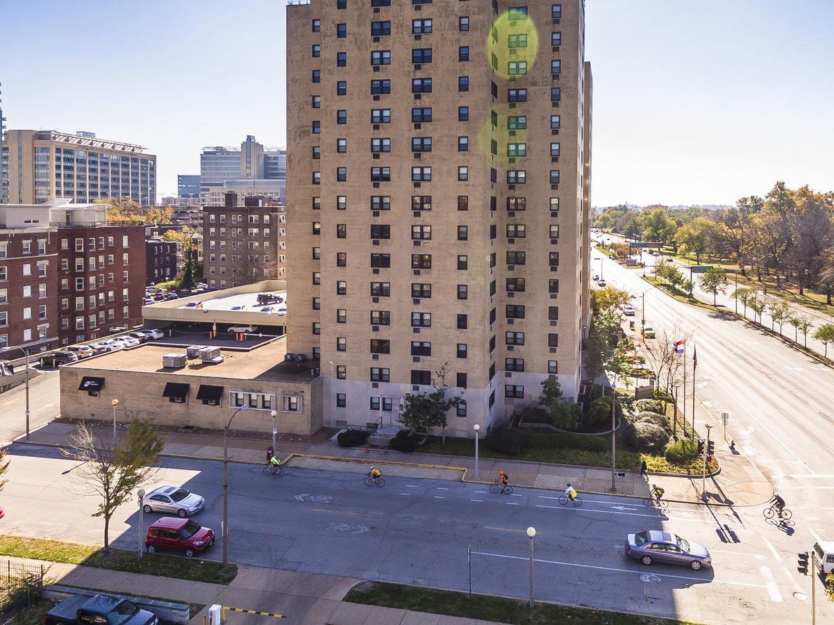 1 Bedroom 1 Bathroom Apartment for rent at One Hundred in St Louis, MO