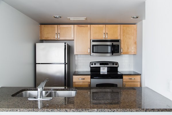 2 Bedrooms 1 Bathroom Apartment for rent at Clyde Manor in Kansas City, MO