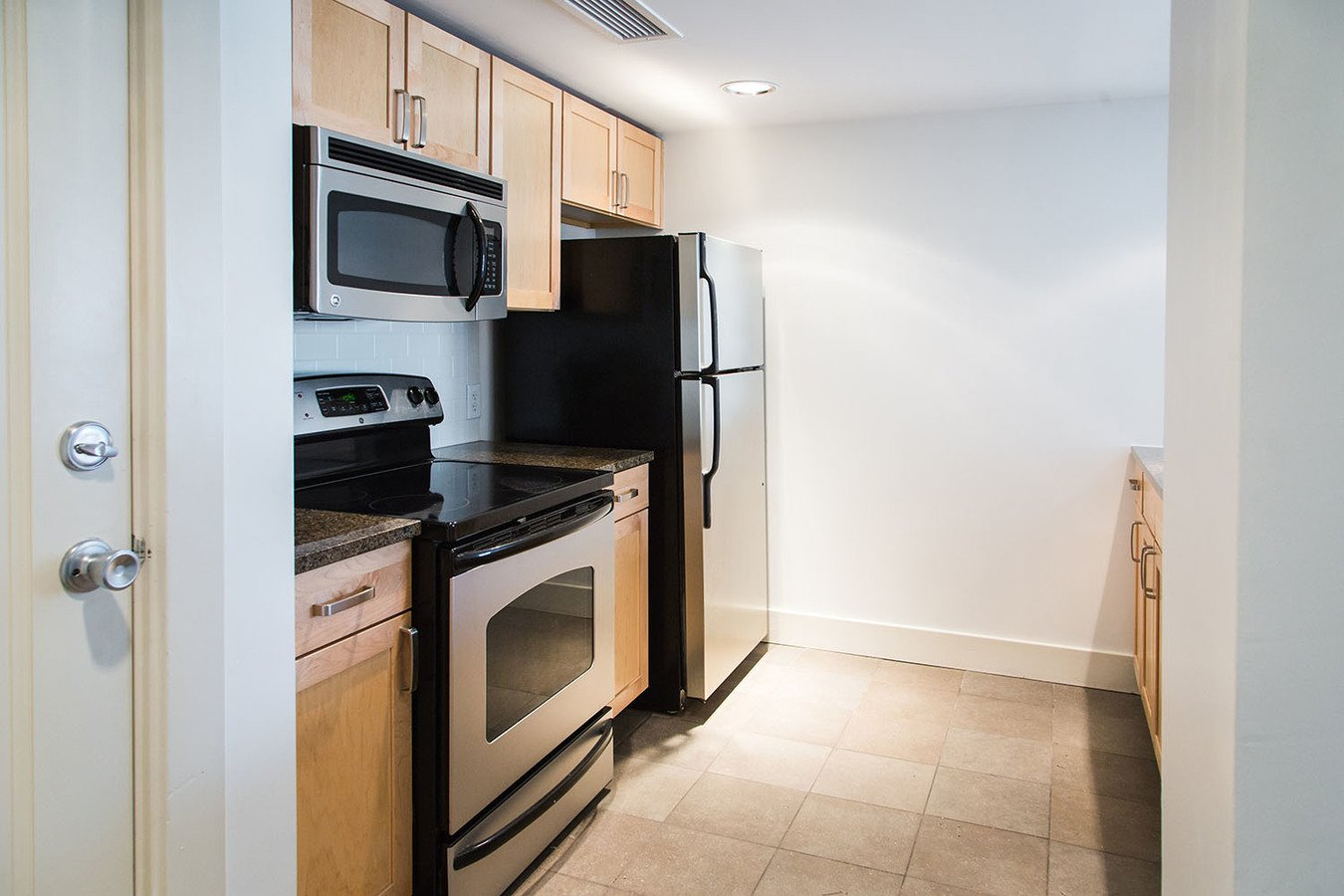 1 Bedroom 1 Bathroom Apartment for rent at Clyde Manor in Kansas City, MO