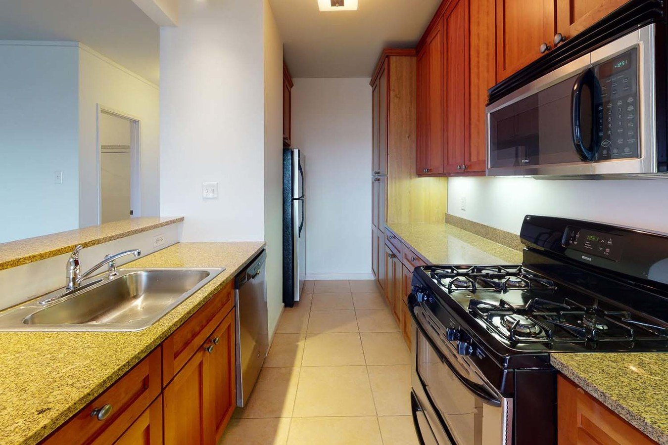 2 Bedrooms 1 Bathroom Apartment for rent at Dorchester in St Louis, MO