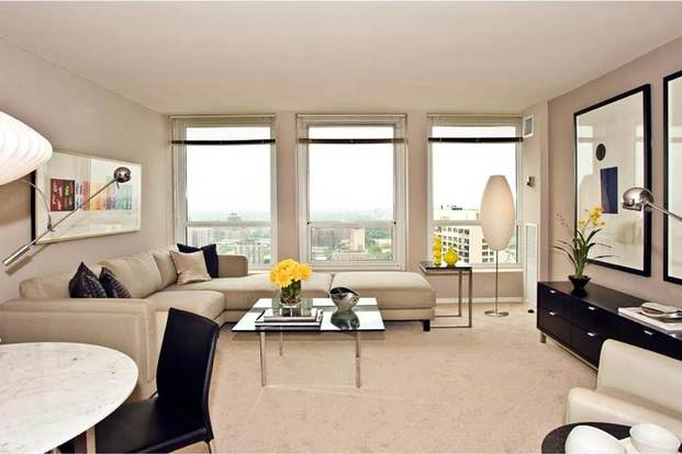 1 Bedroom 2 Bathrooms Apartment for rent at Regents Park in Chicago, IL