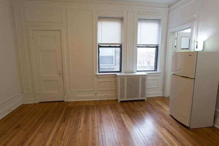 Studio 1 Bathroom Apartment for rent at 5120 S. Hyde Park Boulevard in Chicago, IL