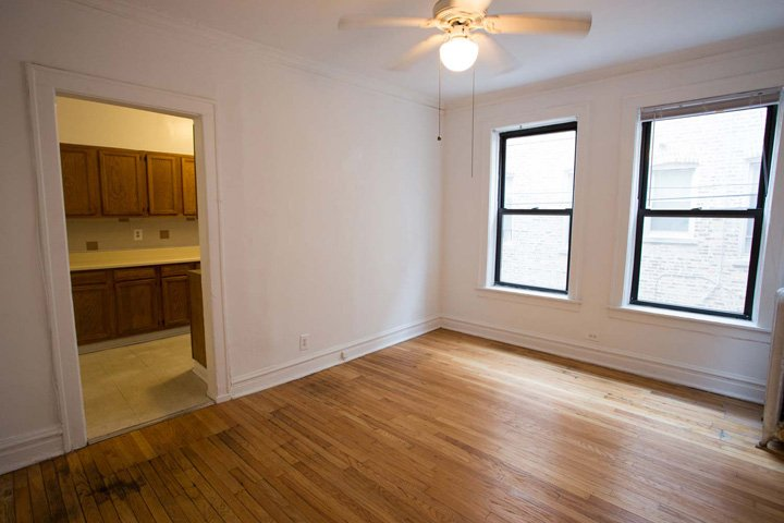 2 Bedrooms 1 Bathroom Apartment for rent at 1101 E. Hyde Park Boulevard in Chicago, IL