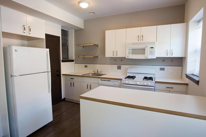 2 Bedrooms 1 Bathroom Apartment for rent at 5300 S. Drexel Avenue in Chicago, IL