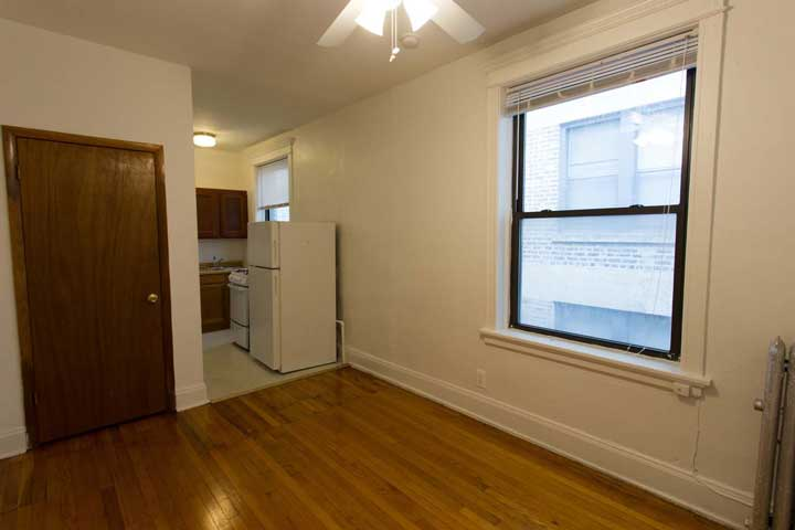 Studio 1 Bathroom Apartment for rent at 5457-5459 S. Blackstone Avenue in Chicago, IL