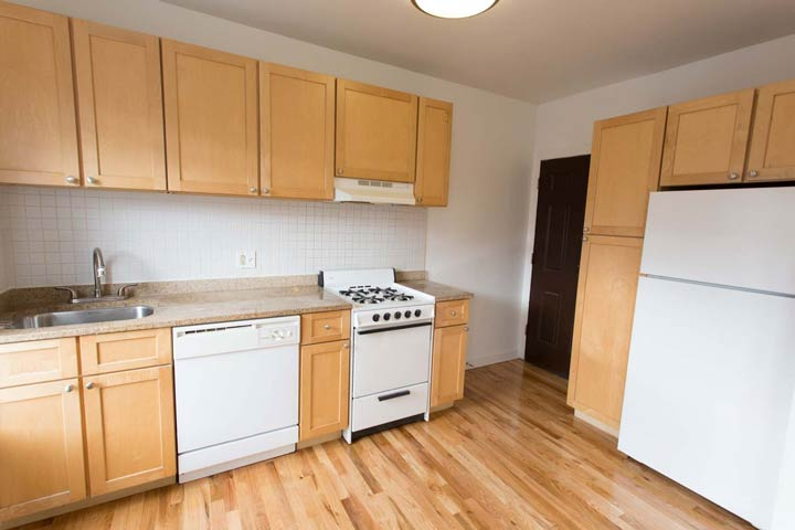 2 Bedrooms 1 Bathroom Apartment for rent at Woodlawn Terrace in Chicago, IL